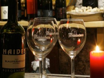 Wine in the village: Hotel Mondschein